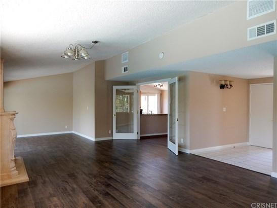 Single Family Residence - Woodland Hills, CA (photo 3)