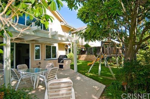 Single Family Residence - Oak Park, CA (photo 2)