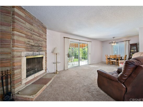 Single Family Residence, Ranch - Winnetka, CA (photo 3)