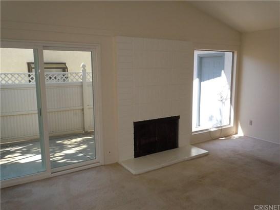 Single Family Residence - Northridge, CA (photo 3)
