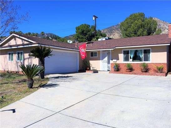 Single Family Residence, Traditional - Sylmar, CA (photo 2)