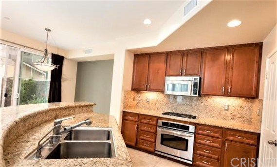 Townhouse, Traditional - Simi Valley, CA (photo 3)