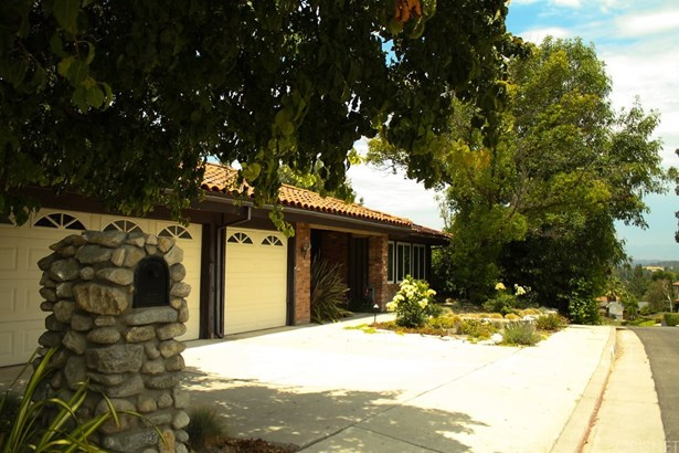 Single Family Residence - West Hills, CA (photo 2)