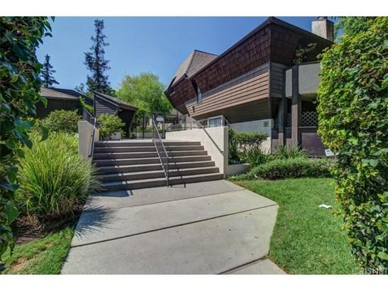 Townhouse - Van Nuys, CA (photo 2)