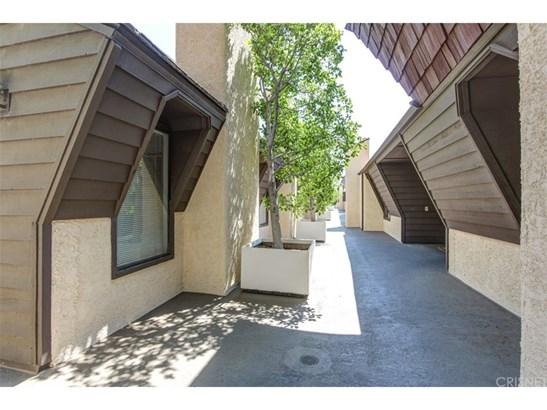 Townhouse - Van Nuys, CA (photo 4)