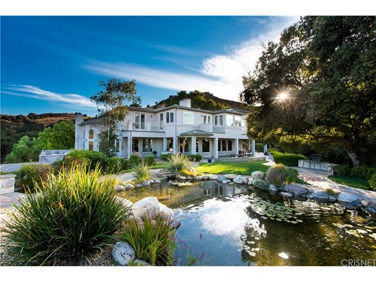 Single Family Residence, Custom Built,French - Newhall, CA