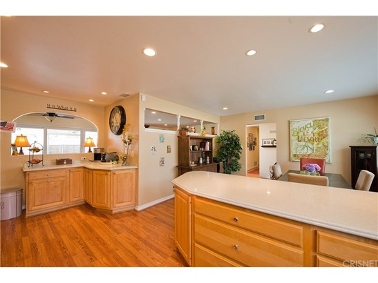Single Family Residence, Traditional - Simi Valley, CA (photo 5)