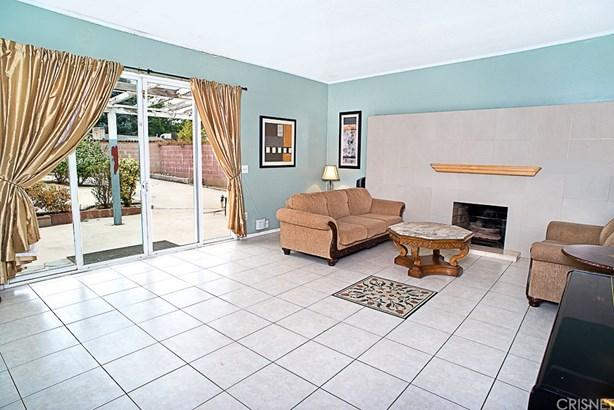 Single Family Residence - North Hills, CA (photo 5)