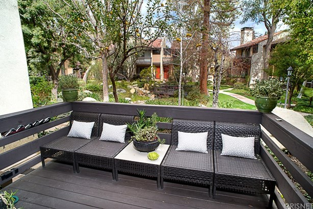 Townhouse - Woodland Hills, CA (photo 4)