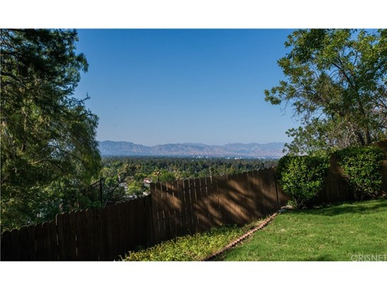 Single Family Residence, Mid Century Modern,Traditional - Encino, CA (photo 2)