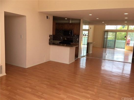 Condominium - Tarzana, CA (photo 3)