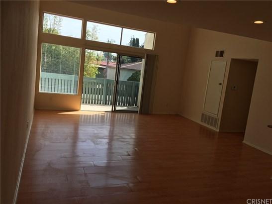 Condominium - Tarzana, CA (photo 4)