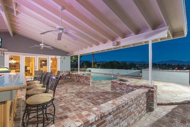 Contemporary,Modern, Single Family Residence - Northridge, CA (photo 2)