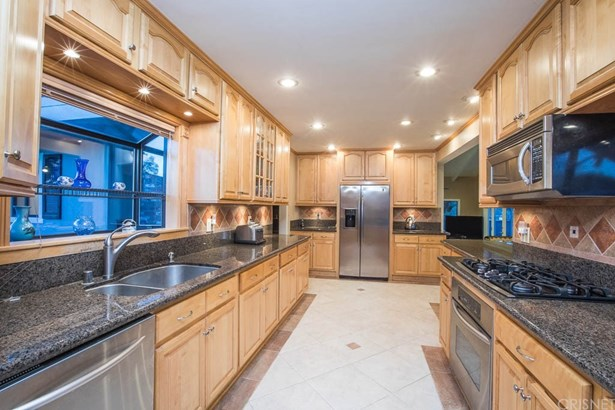 Contemporary,Modern, Single Family Residence - Northridge, CA (photo 4)