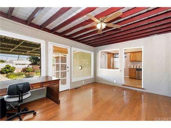 Single Family Residence, Traditional - Long Beach, CA (photo 4)