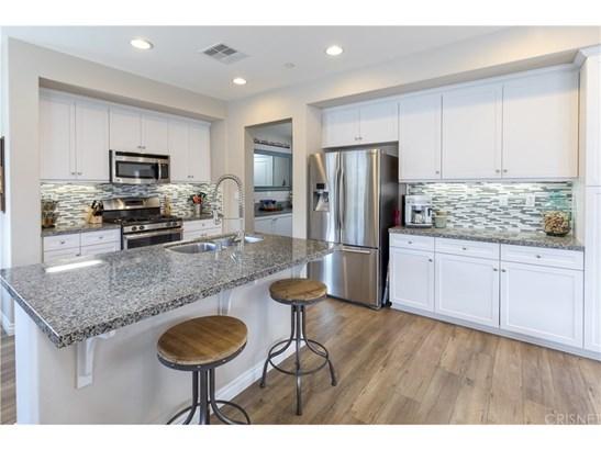 Single Family Residence - Saugus, CA (photo 3)