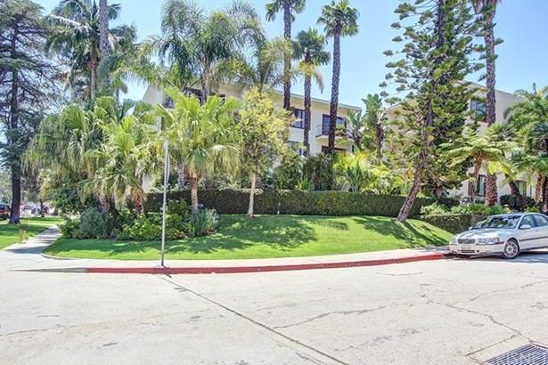 Condominium - Los Angeles, CA (photo 1)