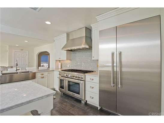 Ranch,Traditional, Single Family Residence - Woodland Hills, CA (photo 4)