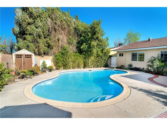Single Family Residence, Traditional - North Hills, CA (photo 3)