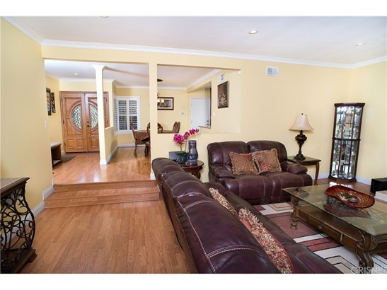 Single Family Residence, Traditional - North Hills, CA (photo 4)