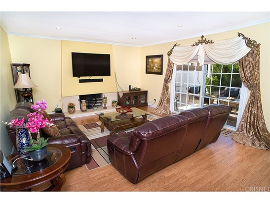 Single Family Residence, Traditional - North Hills, CA (photo 5)