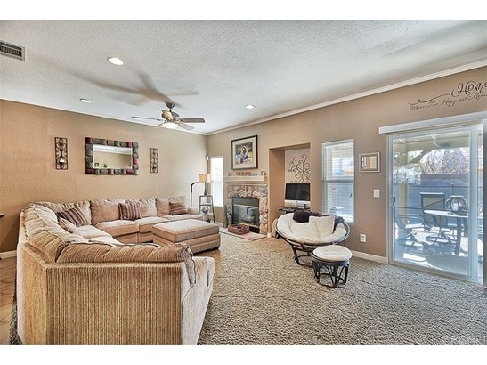 Single Family Residence, Contemporary - Lancaster, CA (photo 4)