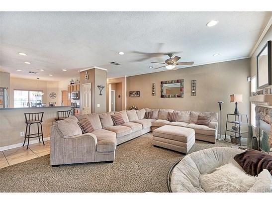 Single Family Residence, Contemporary - Lancaster, CA (photo 5)