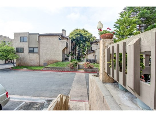 Townhouse - Montebello, CA (photo 2)