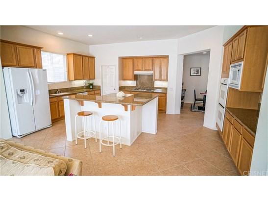 Single Family Residence - Valencia, CA (photo 4)
