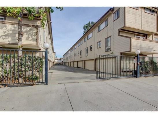 Condominium, Cape Cod,Contemporary,Modern - Valley Glen, CA (photo 2)