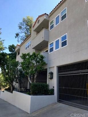 Apartment - Los Angeles, CA (photo 2)