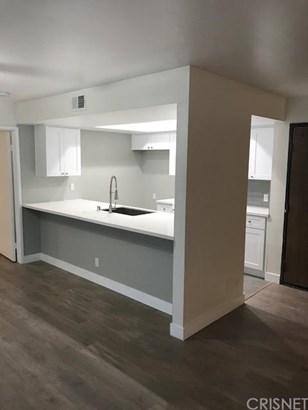 Apartment - Los Angeles, CA (photo 5)