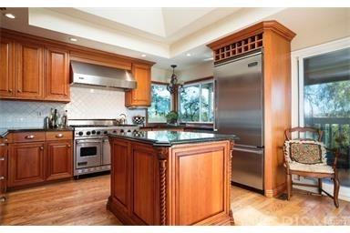 Cape Cod, Single Family Residence - Woodland Hills, CA (photo 2)