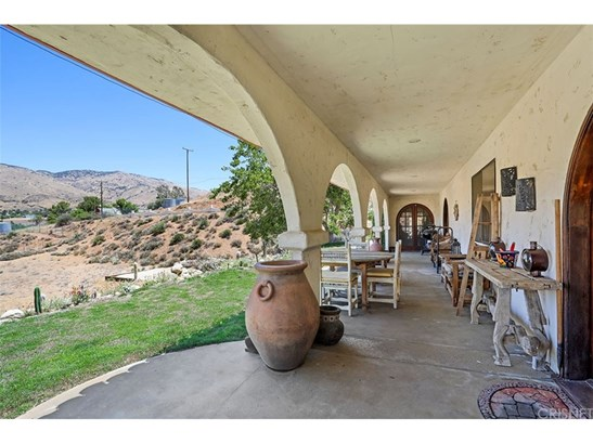Single Family Residence - Agua Dulce, CA (photo 2)