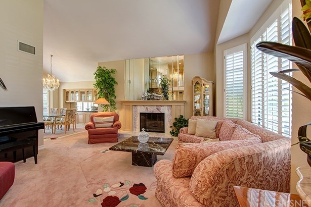 Single Family Residence, Traditional - Porter Ranch, CA (photo 5)