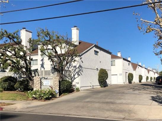 Townhouse - Granada Hills, CA (photo 1)