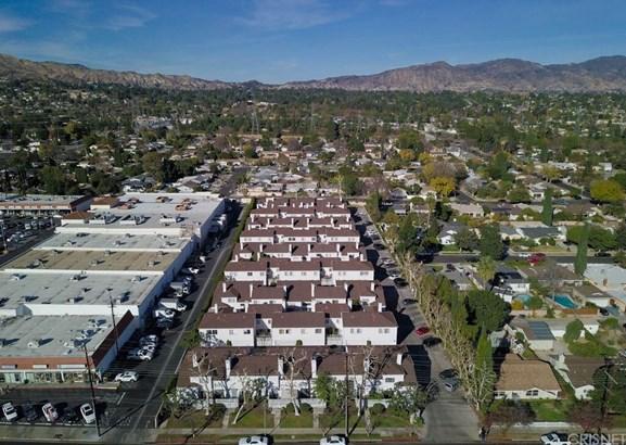 Townhouse - Granada Hills, CA (photo 2)