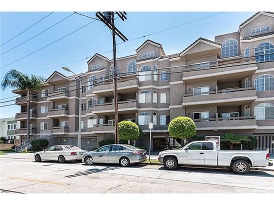 Condominium, Contemporary - Sherman Oaks, CA (photo 3)