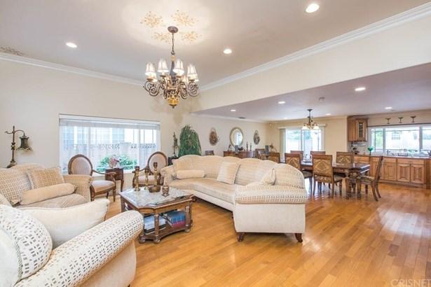Single Family Residence - Chatsworth, CA (photo 4)
