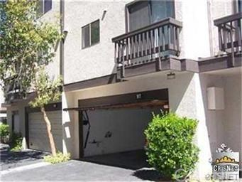 Townhouse - Woodland Hills, CA (photo 2)