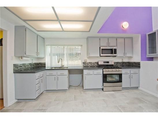 Single Family Residence, Contemporary - Northridge, CA (photo 3)