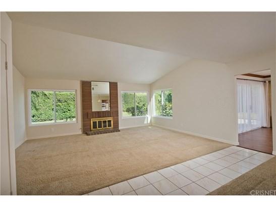 Single Family Residence - Chatsworth, CA (photo 3)
