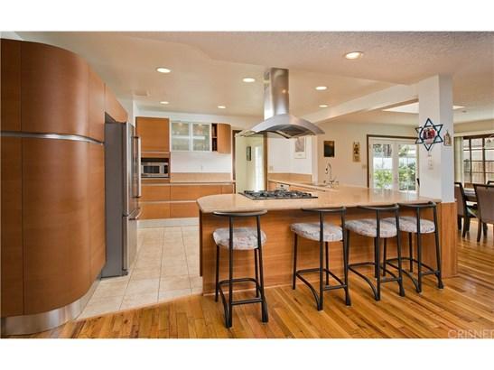Single Family Residence - Sherman Oaks, CA (photo 4)