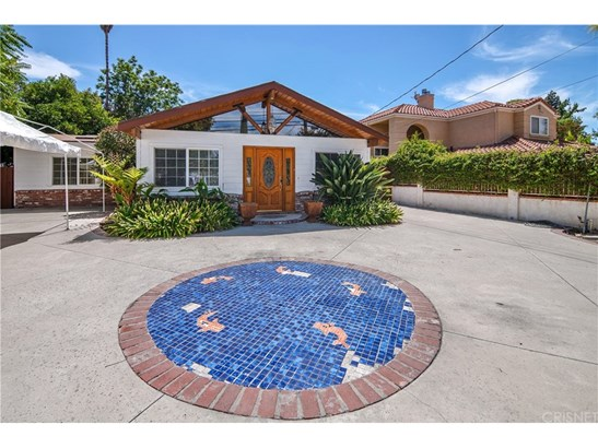 Single Family Residence, Ranch - Woodland Hills, CA