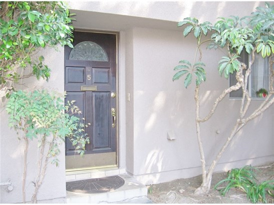 Townhouse - Tarzana, CA (photo 1)