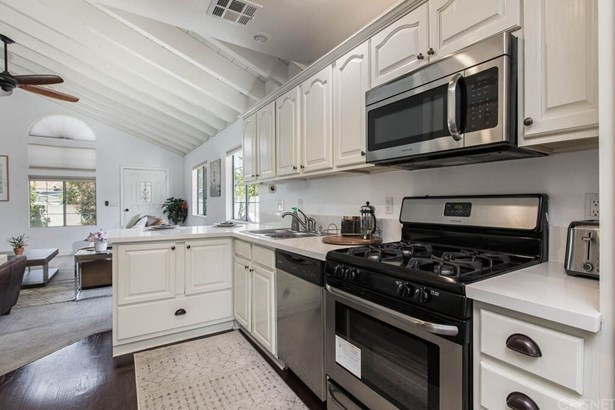 Single Family Residence - Panorama City, CA (photo 2)