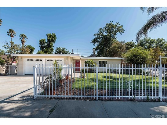 Single Family Residence - Reseda Ranch, CA (photo 1)