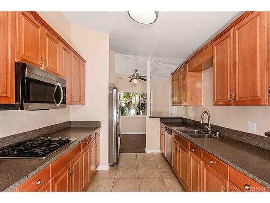 Single Family Residence - Reseda Ranch, CA (photo 5)