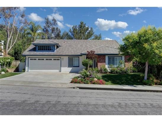Single Family Residence - Valencia, CA