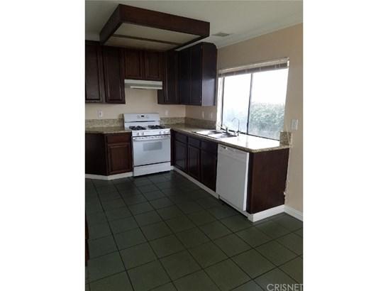 Single Family Residence - Palmdale, CA (photo 4)